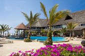 Scopri JACARANDA BEACH RESORT